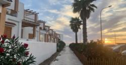Tarifa, zona playa, 2 dormitorios, urbanización con piscina y plaza de garaje