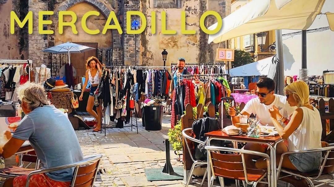 Mercadillo de Segunda Mano en la Plaza de Oviedo