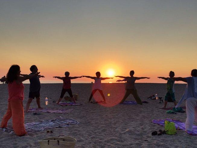 7 días de retiro de yoga de verano en yurtas cerca de las playas de Cádiz