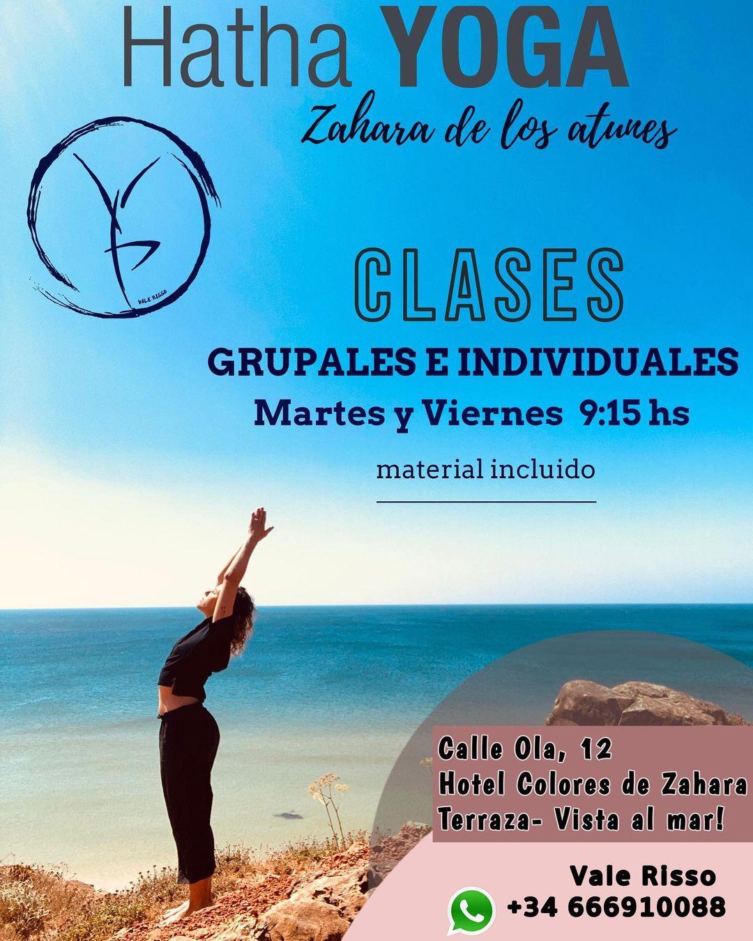 Clases de Yoga con vistas al mar en la terraza del Hotel Colores Zahara