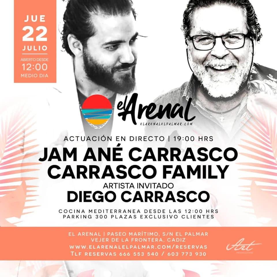 Actuación de Carrasco Family en el Chiringuito El Arenal