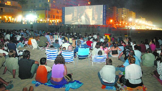 Cine Gratuito en la Playa de La Victoria, Cádiz