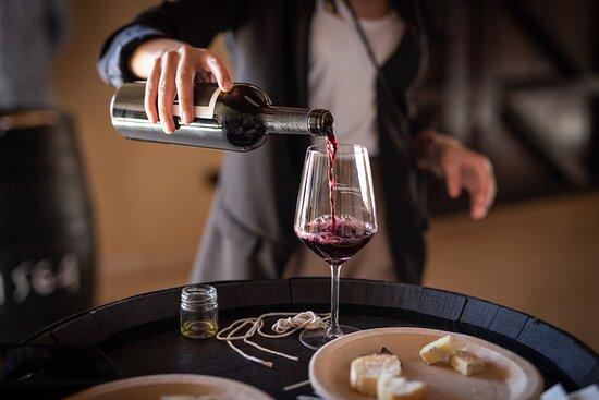 Cata de Vinos y Gastronómica en Marambay